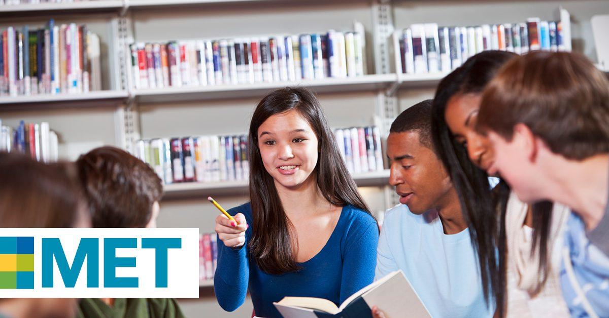 MET Helps Peruvian Students Obtain Scholarships